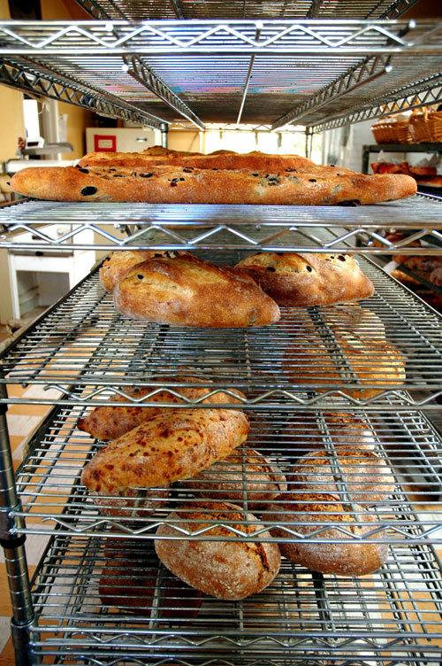Breadshelf
