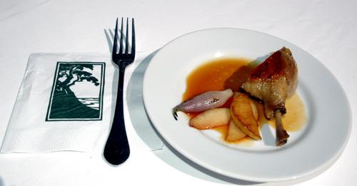 Duck_confit_plate_1