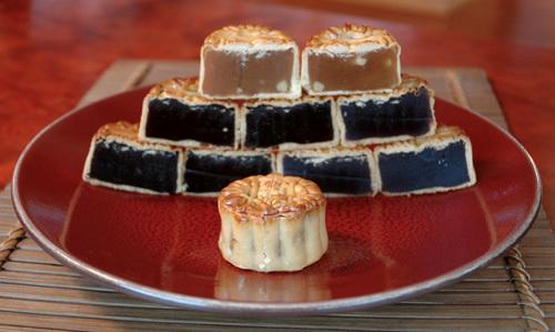 Sheng_kee_moon_cake_pyramid